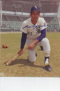 Luis Aparicio autograph